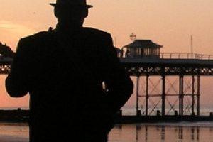 folk-on-the-pier-thumbnail
